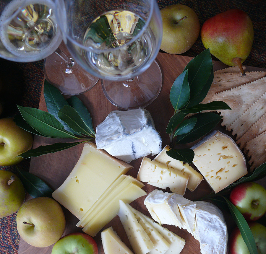 Pairing Sparkling Wine With Cheese