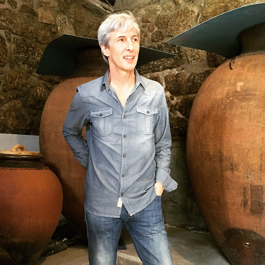 Vasco Croft with his amphorae
