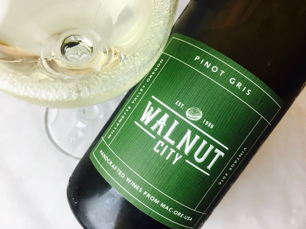 2016 Walnut City Wineworks Pinot Gris Willamette Valley