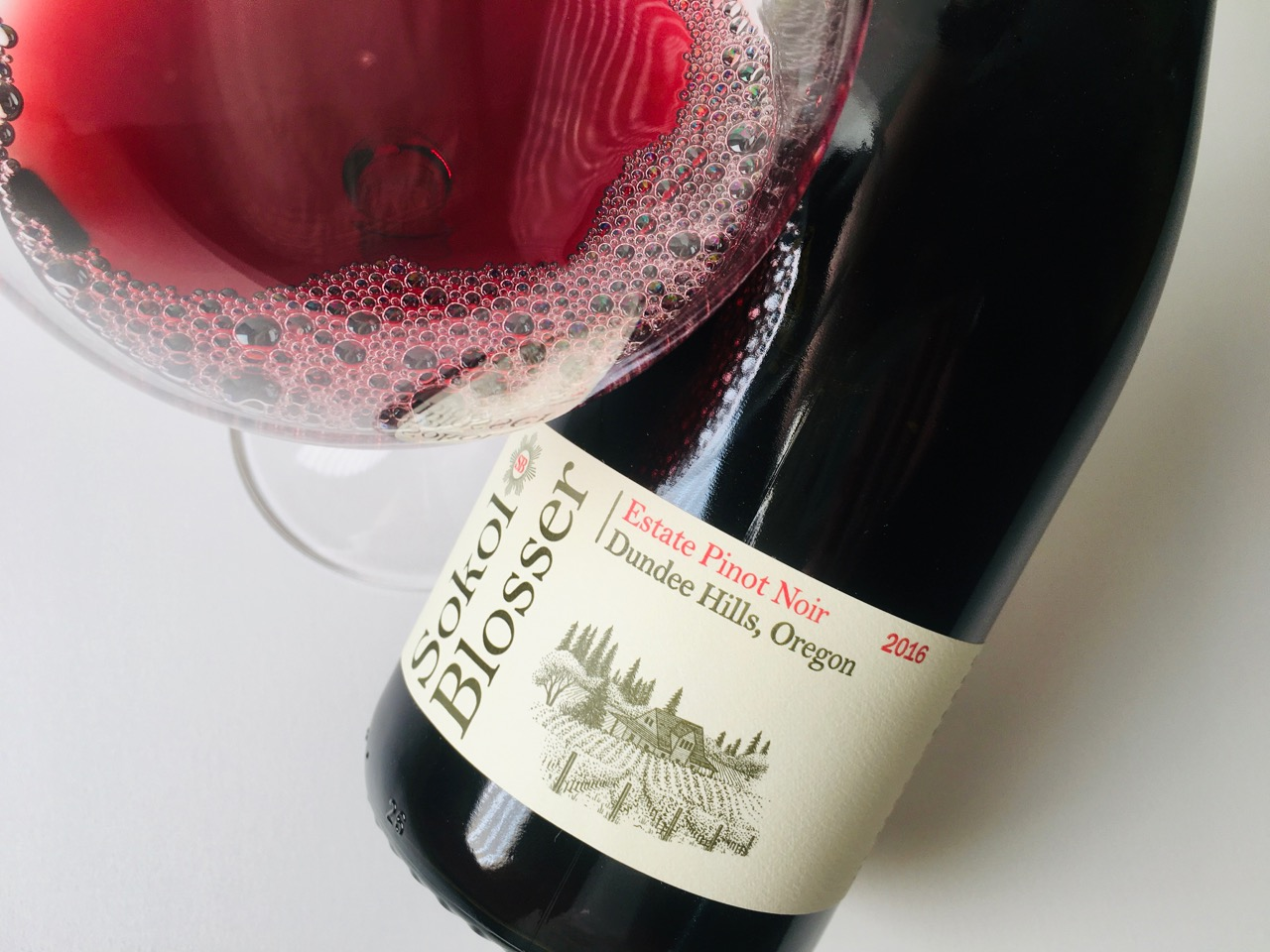 2016 Sokol Blosser Pinot Noir Estate Dundee Hills